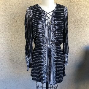 Ripcurl | Black White Long sleeve dress or top